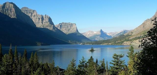 saint-mary-lake-570688_640